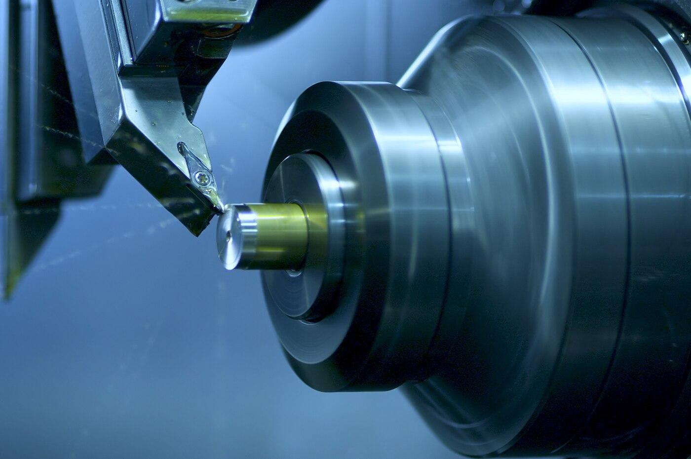A quick comparison of CNC machine tools